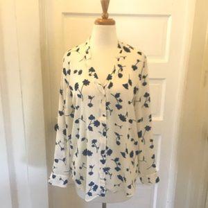 Banana Republic wrinkle free flower blouse